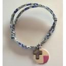 Bracelet médaille à graver et croix en nacre